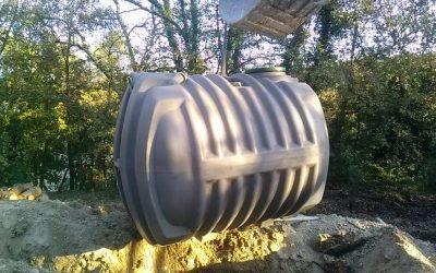 Réalisation d'une fosse toutes eaux + filtre à sable non drainé à Bagnols en forêt (83)